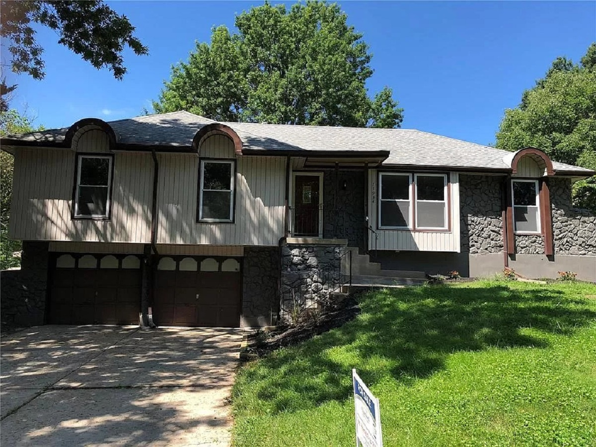 11934 Sycamore Ave Grandview Mo 64030 Just Listed For Lease