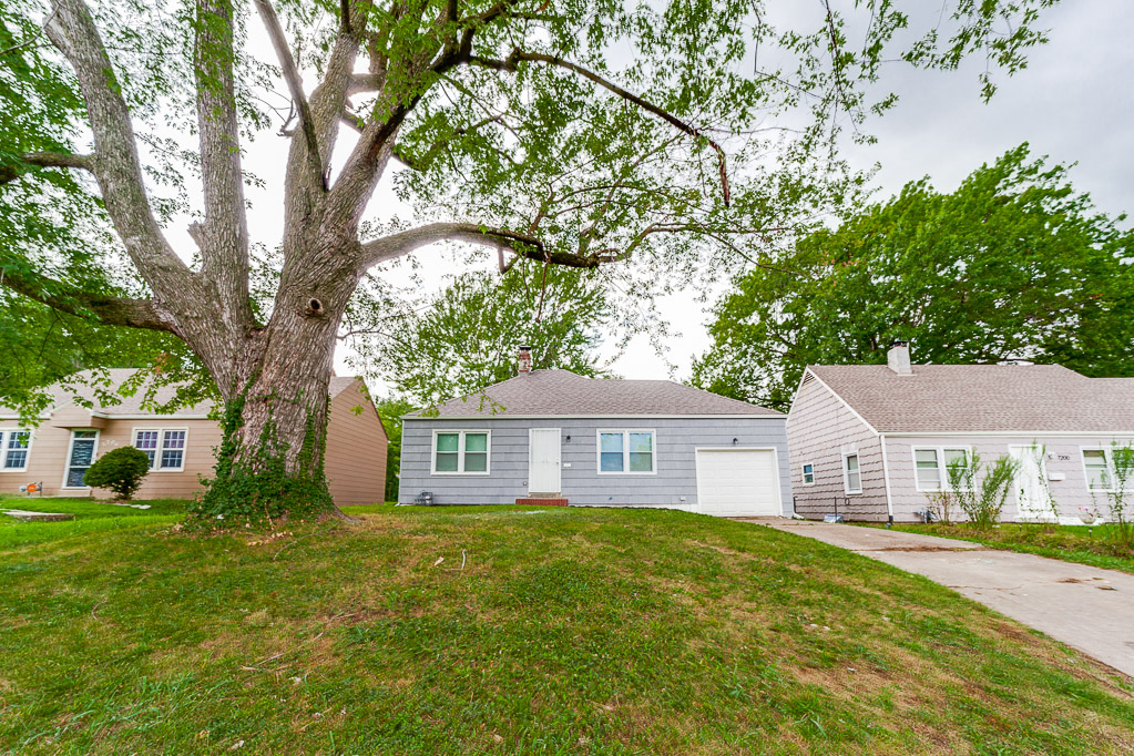 7202 lydia ave house featured image
